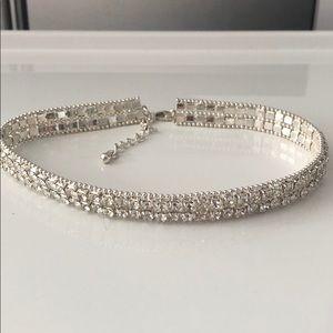 Sparkling diamond choker necklace